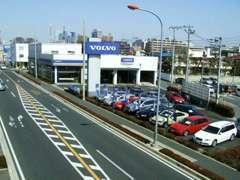 グループ店舗のVOLVO浦和にも在庫がございます。お気軽に店舗スタッフまでお問合せ下さい。