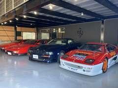 店内ショールームでは、最大10台の車輌を展示しております。