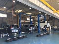 指定工場併設だからできる安心のアフターケア!一般整備・車検・修理・鈑金まで幅広く対応致します。