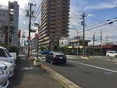 早田栄町3の交差点前。お気軽にお問合せ下さい。