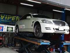 -工場-大型リフトでどんな車でも対応できます。