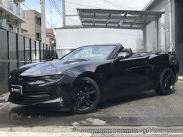 シボレー カマロコンバーチブル 2.0 D車赤黒レザーキセノンライトApplecarplay