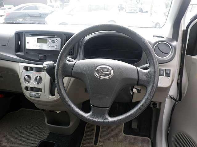 ネイティブ アウトレットカーシリーズではできる限り価格を抑えたお客様に購入しやすい中古車を取り揃えております。