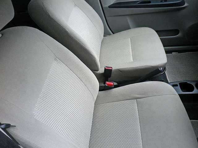 多少の傷や凹みがある場合がございますが走行等には問題なく安心してお乗り頂けるお車をご用意してます。