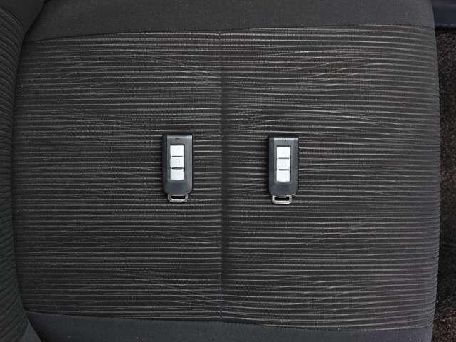 インテリジェントキー リモポコンをみにつけていれば、ドアの施錠・開錠、エンジンスタートもOK! スムーズ発進~