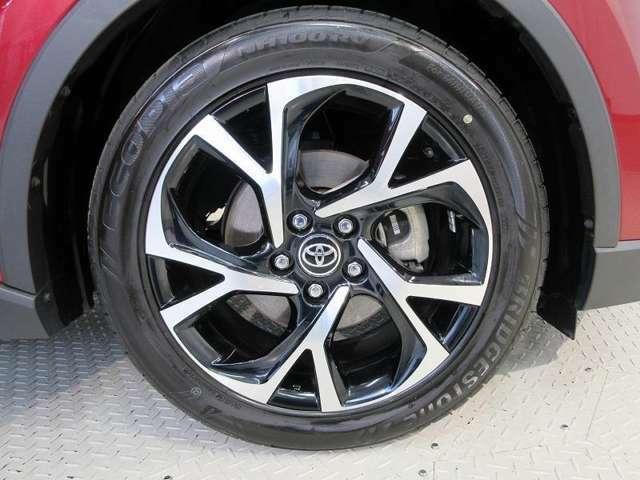 タイヤ溝も前後ともに7mmと残っており、まだまだ安心してお乗りいただけます♪
