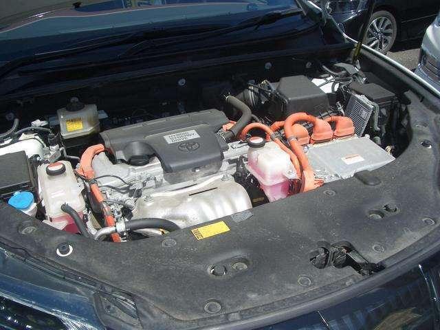 直列4気筒DOHC+モーター・JC08モード燃費21.4km/リットル(カタログ参照)