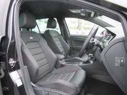 (運転席助手席)全席レザーシート、前席にはシートヒーター、更に運転席にはメモリー機能付きパワーシートがございます。
