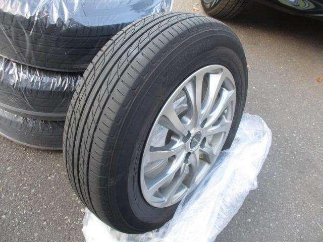 まだまだ使用可能な夏タイヤです!スタッドレスタイヤ新品装着