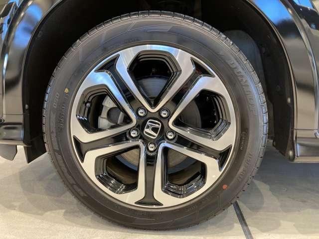 17インチ純正アルミホイール付!鉄ホイールと違って軽いので燃費にも影響してきます。ガソリンの高騰に対し少しは貢献します!