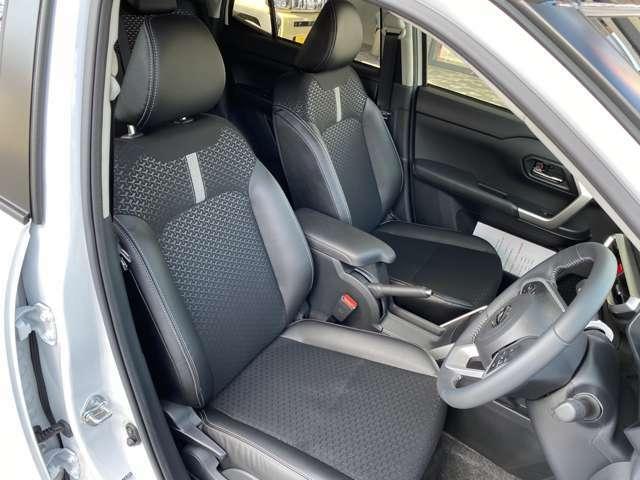 運転席をパシャリ☆皆様とても丁寧に乗っておりますので綺麗です♪