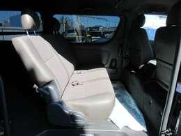 50THアニバーサリー専用ハーフレザーシート付き♪ 質感もよく、長距離ドライブでも安心ですね♪ 専用シートで高級感のある仕上がりになります♪