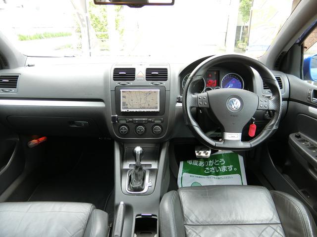フル装備HID・ABS・CD・DVDHDDナビ地デジフルセグTV・キーレス・ETC・シートヒーター・オートエアコン・など嬉しい装備です。