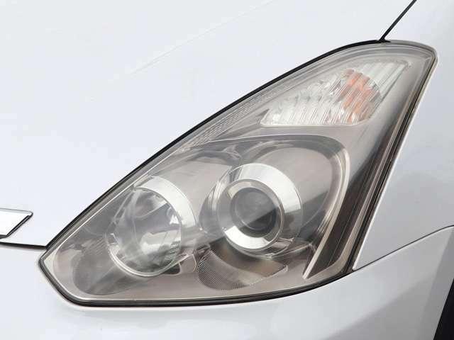 【ヘッドライト】ライトは使用していると徐々に曇ってしまいます。当店はヘッドライトを磨いてからご納車致します!ご安心ください。