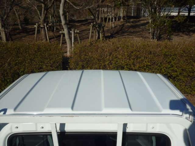 トラックに多い天井のキズやヘコミなどありません♪