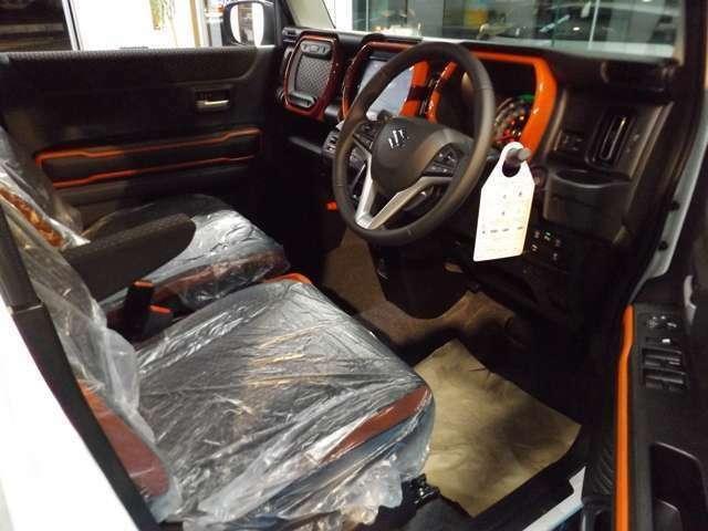 ■シートヒーター■運転席シートバックポケット(Xターボ標準装備)パドルシフトエアコンルーバーアクセント(Xターボ標準装備)