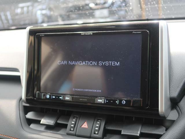 【社外SDナビ】社外SDナビが搭載されています。DVD、フルセグTV視聴可能です。
