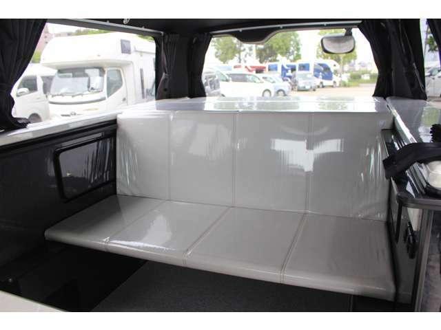 ベットマットは簡易的な座席としても使用可能です!(走行時は乗車不可となります。)