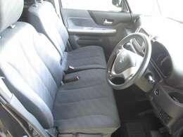 フロントシートにはシートヒーターが付いています!