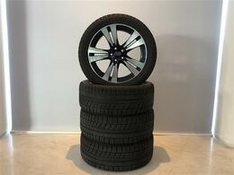 スバル純正オプションのアルミホイールにはスタッドレスタイヤを装着
