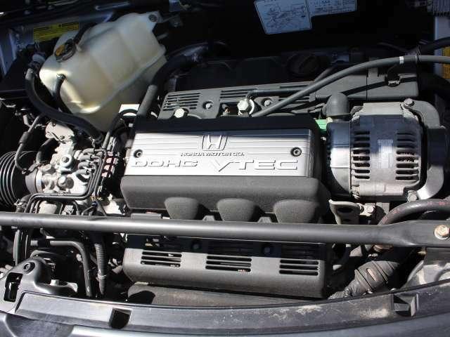 エンジンルーム!C30A型V型6気筒DOHC VTECエンジン搭載!
