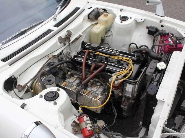 エンジンルーム内も仕上げ、オリジナル2TGツインカムソレックス、タコ足マフラー!