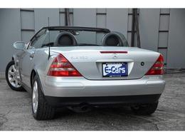 運転席・助手席・サイド エアバック フォグランプ バックフォグランプ クルーズコントロール ABS ASR(トラクションコントロール) 電動オープン 純正アルミホイール ビークルデータカード