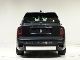 アルミを用いたロールス・ロイスの新世代プラットフォームをベースに設計された「カリナン」。駆動方式は4WDです