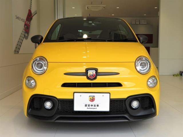 ボディカラーの''ジャッロモデナ''の ジャッロは黄色 モデナはイタリアの都市を意味します。