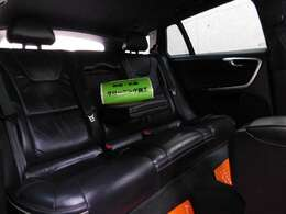 ★正規ディーラー車ボルボ/アウディ/VW大型専門店です!専門2級整備士による『徹底展示前点検』施工済み及び『日本走行管理システム』導入によりメーター不正をチェック済みですので自信を持っておすすめ出来ます。