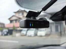純正ドライブレコーダー装備車です。別途前後カメラタイプ取付プランも御座います。