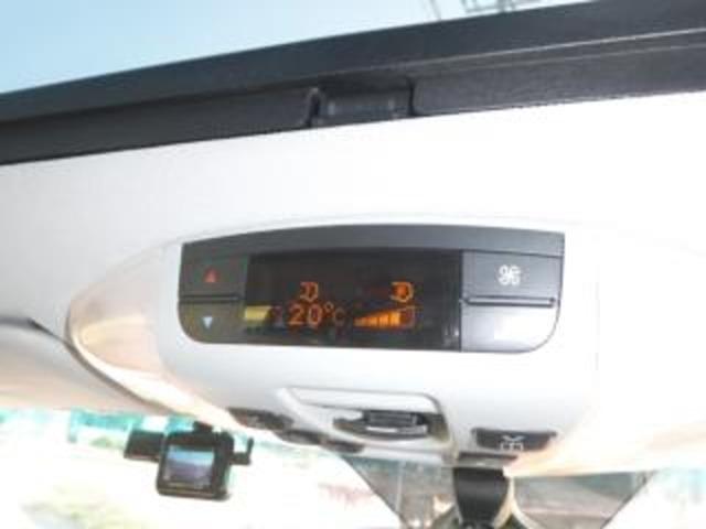純正ツインエアコン(Wエアコン)装着!!(温度設定もオートで対応!!暑い夏場も全席快適です)また、 社外ドライプ・レコーダー装着済!!(万一の時も安心です)