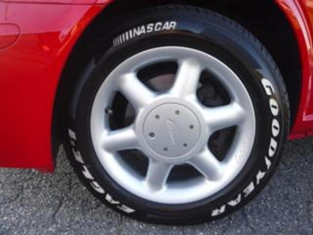 「ロリンザー社製17インチアルミ&グッドイヤー社製ホワイトレター・タイヤset」は、弊社奨励オプション設定品となります!!装着不要の場合は、「弊社指定の別のホイール&タイヤset」と交換対応となります!!