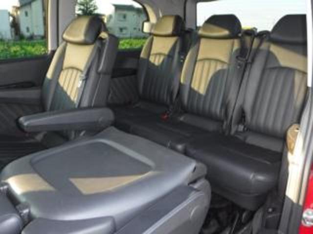 左右セカンドシートは、簡単脱着仕様となり、「サードシートとの対面対座装着」が可能で、更に「セカンドシート左右&サードシートASSY」総取り外しも可能となり、「スケルトン仕様」にも対応可!!(必見)