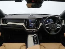 弊社デモカーアップ!XC60 B5 AWDインスクリプション!エアサス・B&W・サンルーフのオプションフル装備!内外装ともに良好な一台!最新モデル・上級グレードならではの快適装備が充実!