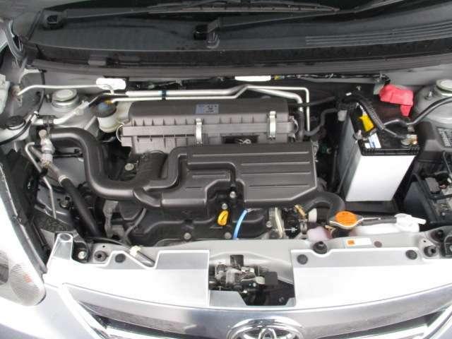 タイミングチェーンCVT「無段変速」エンジンの動力を最適にコントロールできて燃費がよくなります♪お越しの際は是非エンジンルームも見てください!ピカピカです!全車 安心の点検整備、無料保証付です。