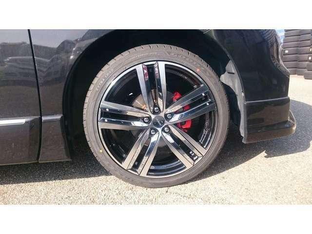Gースクエア エスティタススタイルZTR,タイヤ ヨコハマ、イーグルLSEXE 245/20/20インチアルミホイル