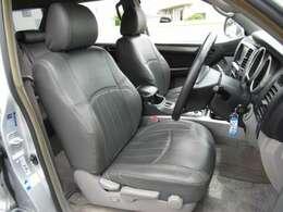 運転席の状態もキレイです☆座面、背面ともに目立つようなダメージもありません♪