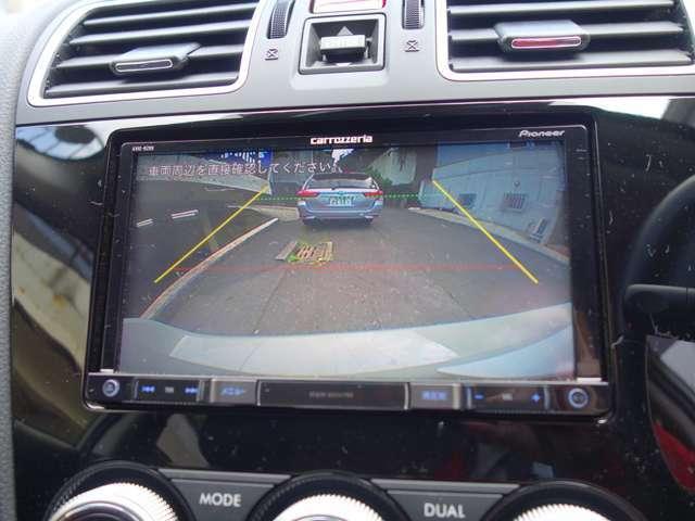 (車庫入れをサポート)  リアビューカメラなど運転支援システムも充実しストレスの少ない駐車が行えます。