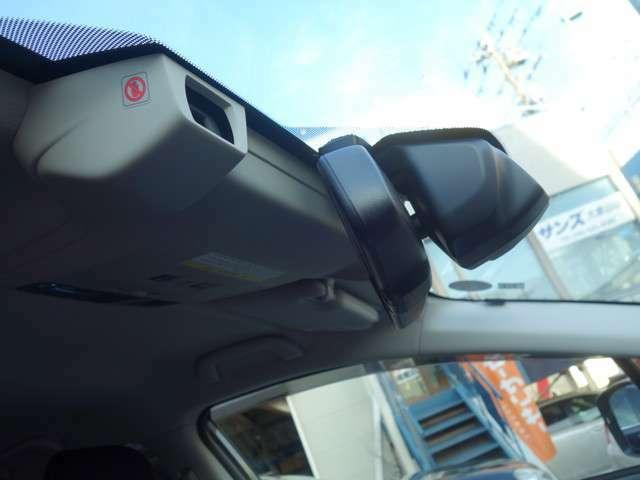 (ぶつからないをサポート)  衝突被害軽減ブレーキ(アイサイトver3)は、自転車・歩行者も対象で、AT誤発進・誤後進抑制制御、車線逸脱警報などの各安全装置も装備。