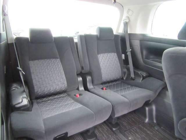 サードシートも広々です!
