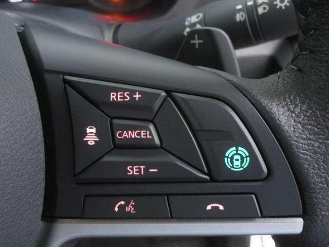 高速道路での同一車線運転支援技術マイパイロットを装備!アクセル、ブレーキ、ステアリングの操作を支援してくれます。