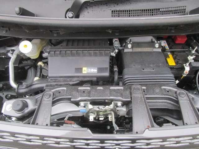 インタークラーターボエンジン&ハイブリットシステムは、市街地から高速までキビキビした走りが可能です。