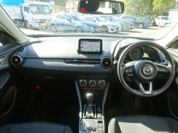 小さく見えるボディでも車高もコンパクトカーよりも●く。宇tjん転しててもゆったりと座れます