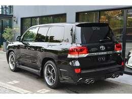 当社は新車をベースにカスタムいたしますので当社ブランドのアルミホイールが選択可能です。詳細はスタッフまでお問い合わせください。※こちらはイメージ画像です。