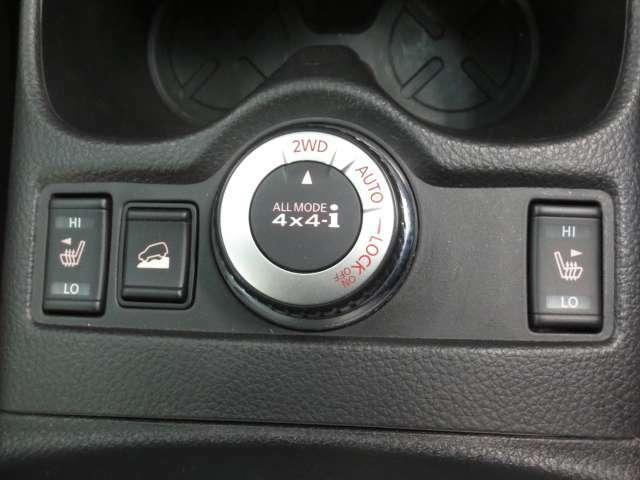 4WDの切り替えスイッチ♪ シートヒーターもついています