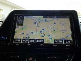 ☆メモリーナビ☆  トヨタ純正のメモリーナビ搭載車です。 地図データの情報量や検索スピードの速さが魅力的です。 初めて行く場所や、知らない道でも安心・快適なドライブをお楽しみいただけますね。