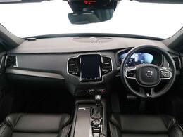 XC90が入庫いたしました。人気のT6AWDRデザインモデルです。