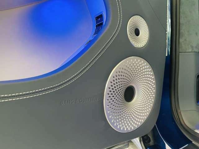 オーディオはBang & Olufsen for Bentleyが装備されております。