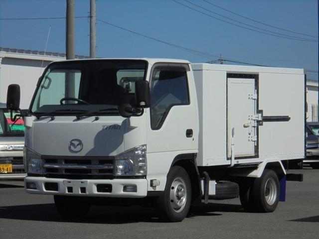 車体長さ469cm幅169cm高さ198cm荷箱内寸長さ289cm幅149cm高さ105cm